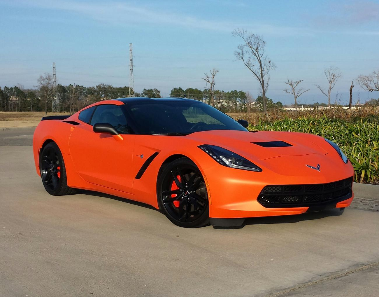 02-11-2014  09 30 PMCorvette Stingray 2014 Orange