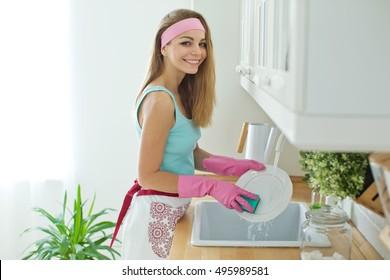 Name:  woman-washing-dishes-260nw-495989581.jpg Views: 267 Size:  23.3 KB